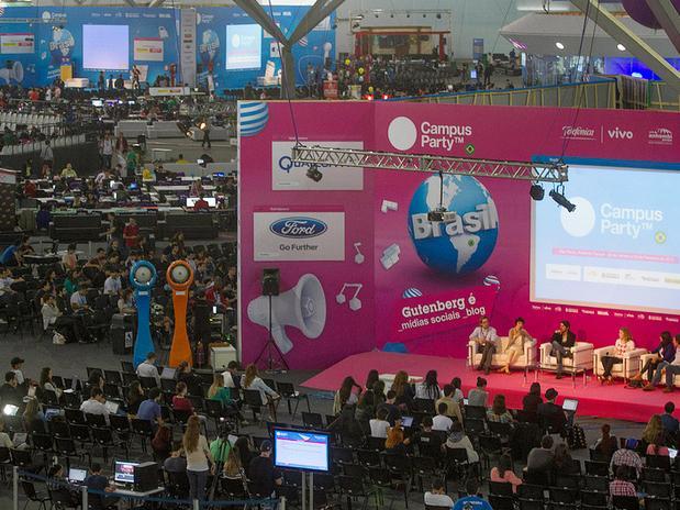 Evento conta com 8 palcos segmentados em áreas como design, ciência, redes sociais, empreendedorismo e hardware.